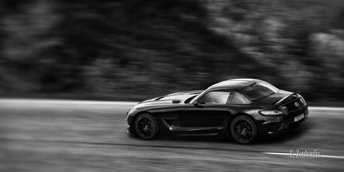 Autofotografie am Tag- Panning Shot mit einem Mercedes AMG SLS Black Series