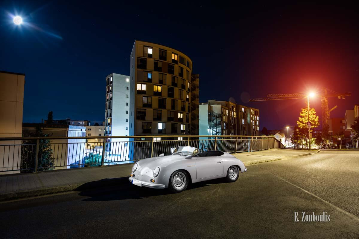 Ein Porsche 356 Speedster aus dem Jahr 1956 zu Besuch in Stuttgart Möhringen bei Vollmond